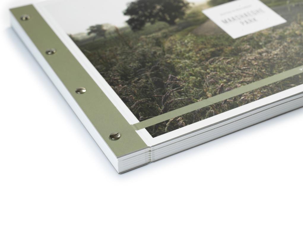 Luxe brochure